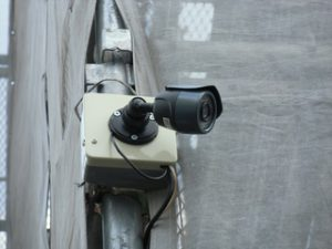 工事現場の足場に防犯カメラレンタル