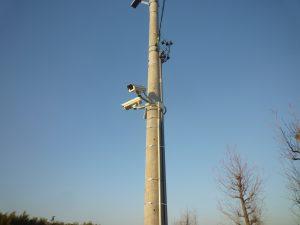 電柱の防犯カメラ