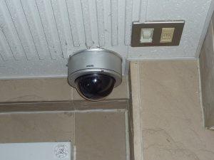 エレベーターホール防犯カメラ